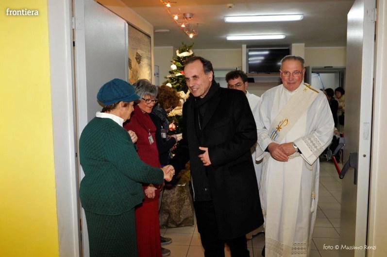 Visita-del-Vescovo-Domenico-Pompili-alla-RSA-di-S-Rufina-foto-Massimo-Renzi-23
