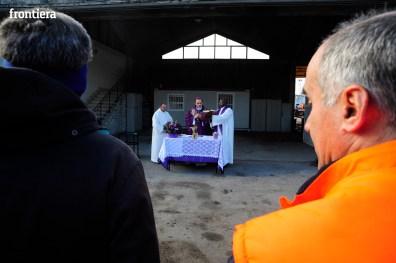 Visita-e-Messa-del-Vescovo-Domenico-Pompili-in-Asm-15-dicembre-2015-foto-David-Fabrizi-20