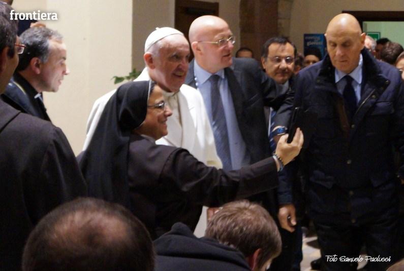 Papa-Francesco-a-Greccio-(4-gennaio-2015)-foto-Samuele-Paolucci-13