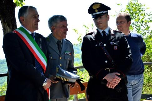 DSC_0010 - Il sindaco di Pescorocchiano Gregori con i rappresentanti del Corpo Forestale dello Stato e dell'Arma dei carabinieri