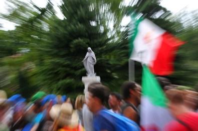 Cracovia, 25-07-2016. GMG 2016 La XXXI Giornata Mondiale della Gioventu' di Cracovia. L'accoglienza a Casa Italia con la distribuzione del kit del pellegrino.