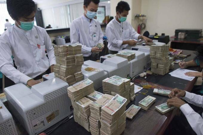 Allowing Myanmar's banks to compete   Frontier Myanmar