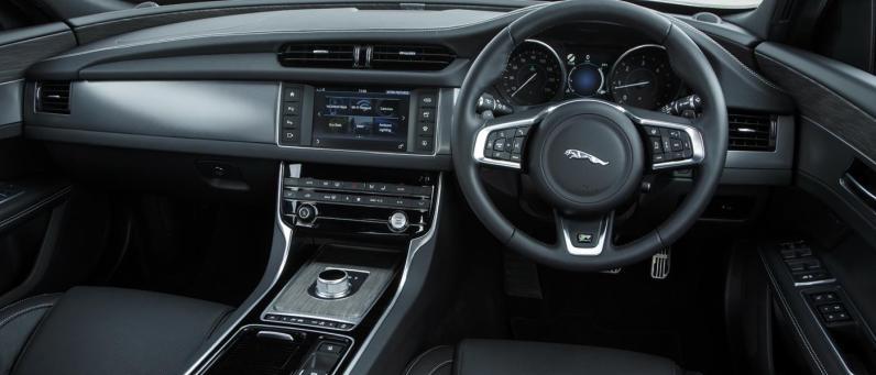 Jaguar XF 2017 02