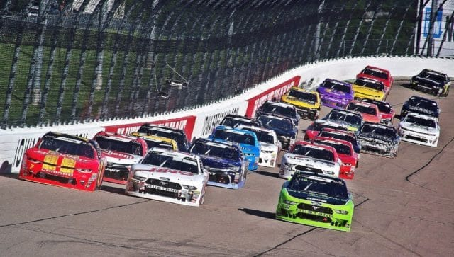 Field Enters Turn Three After Final Restart of Iowa 250 pres. by Enogen