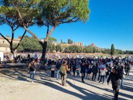 Green pass, proteste in tutta Italia per il giorno x ma nessun disordine.