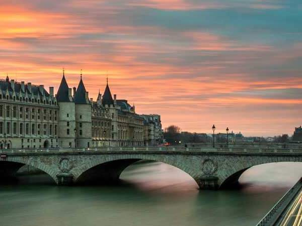 Mid-Range Hotels in Paris: 10 hotels under $250 per night.