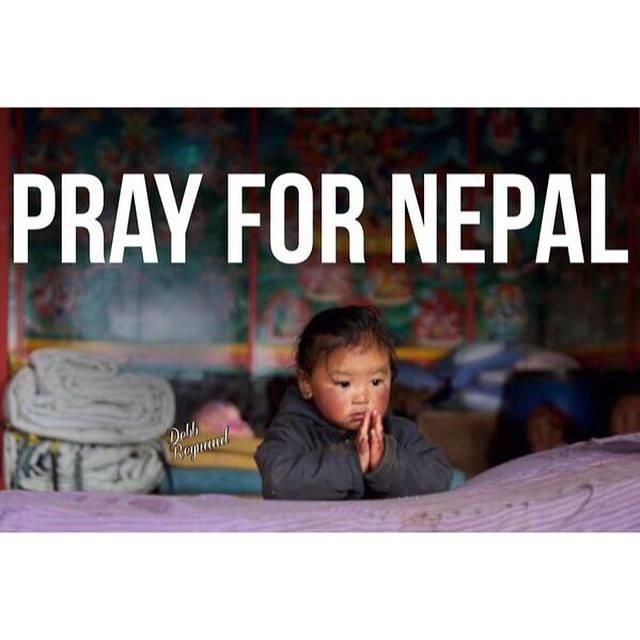 La prière est bénéfique, mais donnons leur un secours pécuniaire.
