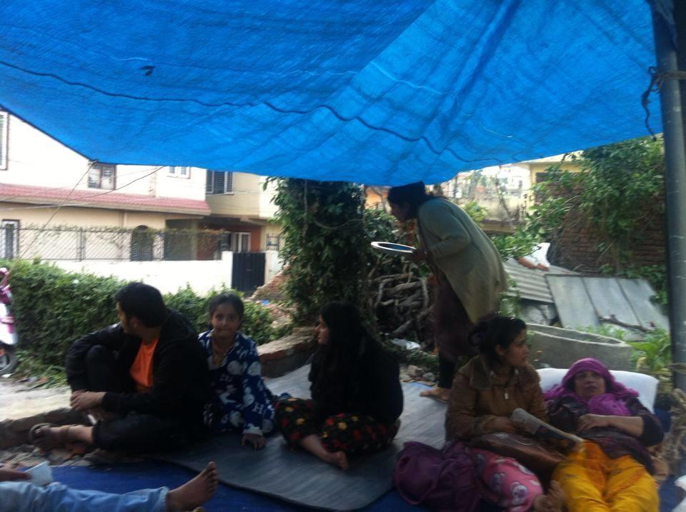 Une autre famille de correspondants de l'association à Katmandou.