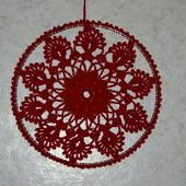 DECO NOEL AU CROCHET : rosace de fenètre rouge avec tuto - Le blog de crochet et tricot d'art de Suzelle