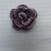 CROCHET : petite rose TUTORIEL GRATUIT et VIDEO - Le blog de crochet et tricot d'art de Suzelle
