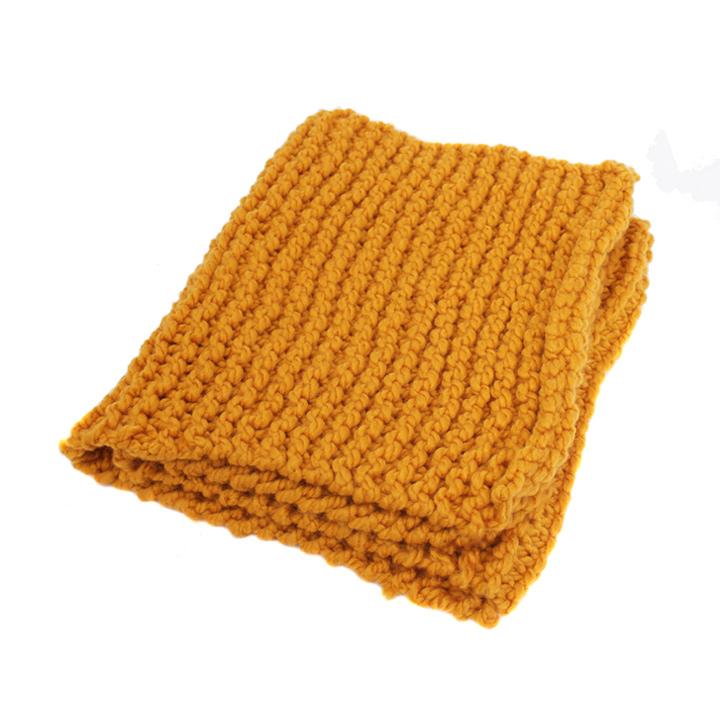 Gele wollen handgebreide sjaal  Froufrous
