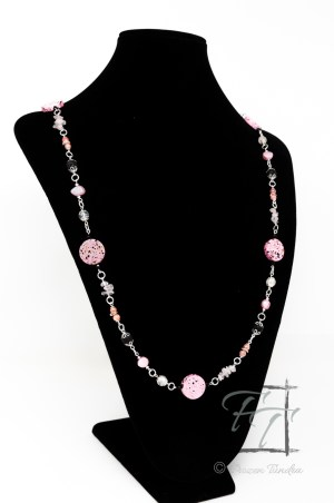 punk rock pink necklace