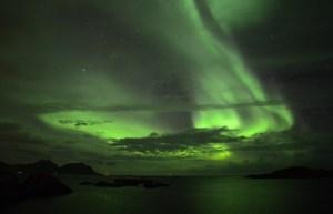 Noorderlicht in Nyksund, Noorwegen, Fru Amundsen