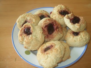 #CookingWithKids – Super Easy Jammy Buns….