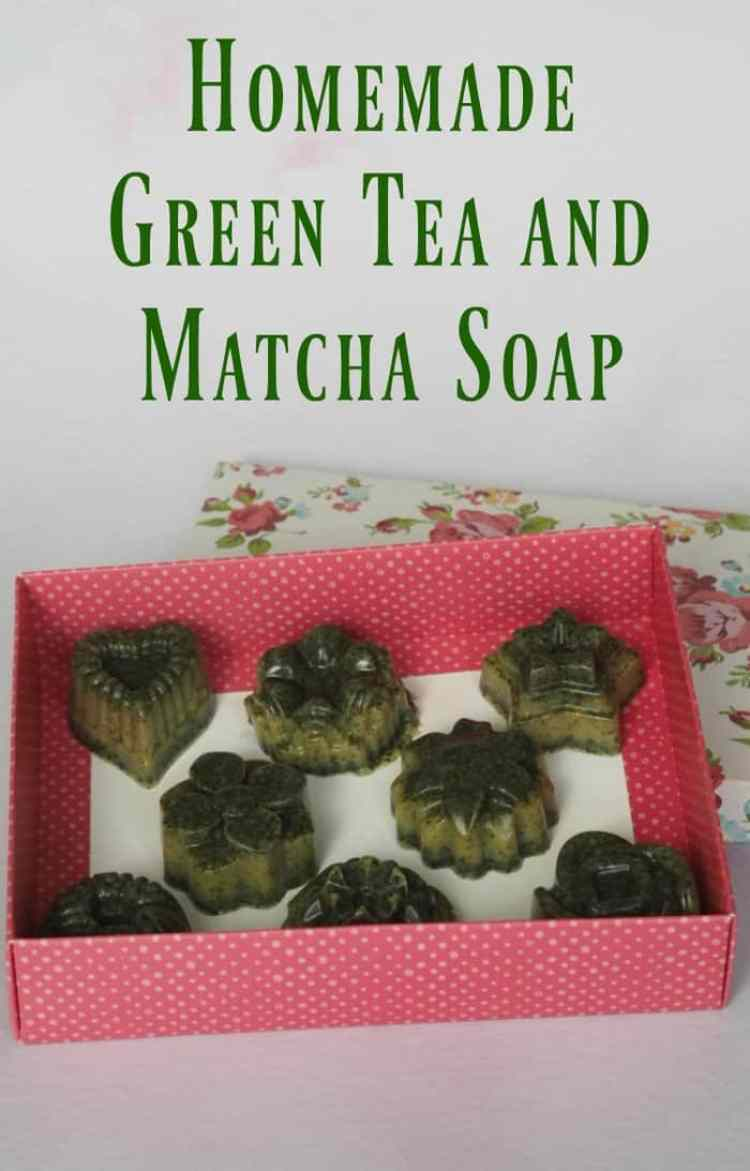 Homemade Green Tea and Matcha Soap #meltandpour #homemadesoap