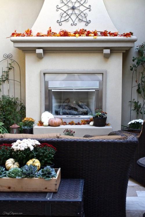 Easy Fall Outdoor Decor | FrugElegance | www.frugelegance.com
