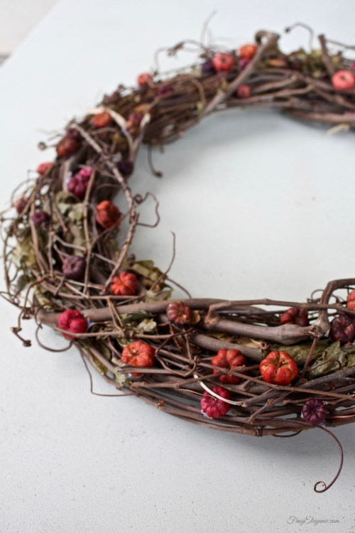 Easy Grapevine Wreath | FrugElegance | www.frugelegance.com