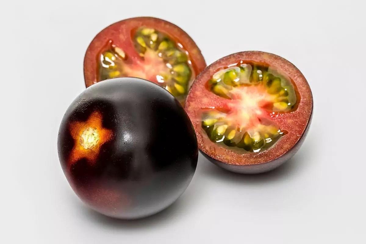 Yoom-tomato-pomodoro-frutto-intero-sezione-Syngenta