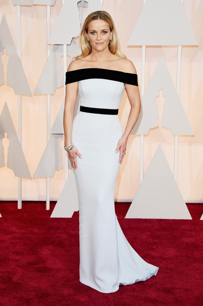 reese-witherspoon-white-black-tom-ford-gown-oscars-2015