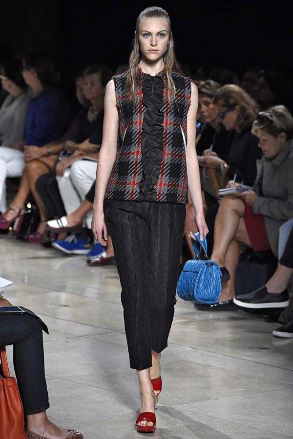half up, half down spring 2015 fashion week