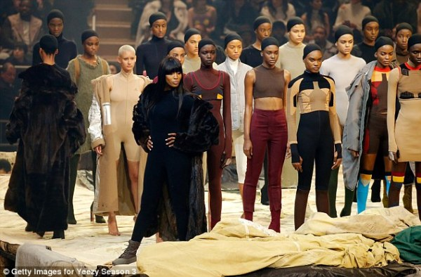 Show stopper: Supermodel Naomi Campbell closed out the Yeezy Season 3 show after hundreds of models took to the stage Read more: http://www.dailymail.co.uk/tvshowbiz/article-3443547/What-day-Kim-Kardashian-Kanye-West-sneak-hotel-NYFW-fashion-listening-party.html#ixzz3zxFjcYAs Follow us: @MailOnline on Twitter | DailyMail on Facebook