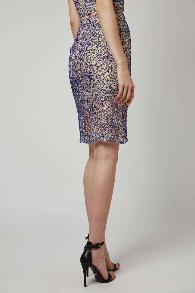 Lace cord pencil skirt