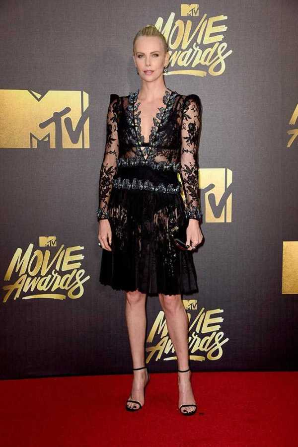 charlize_theron_2016_mtv_movie_awards_in_california_getty_gallery_11__large