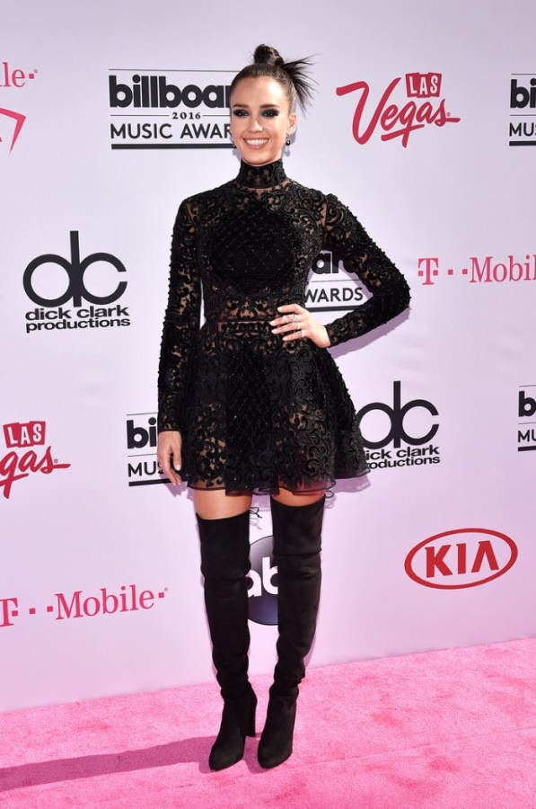 Jessica-Alba-Zuhair-Murad-Dress-2016-Billboard-Music-Awards