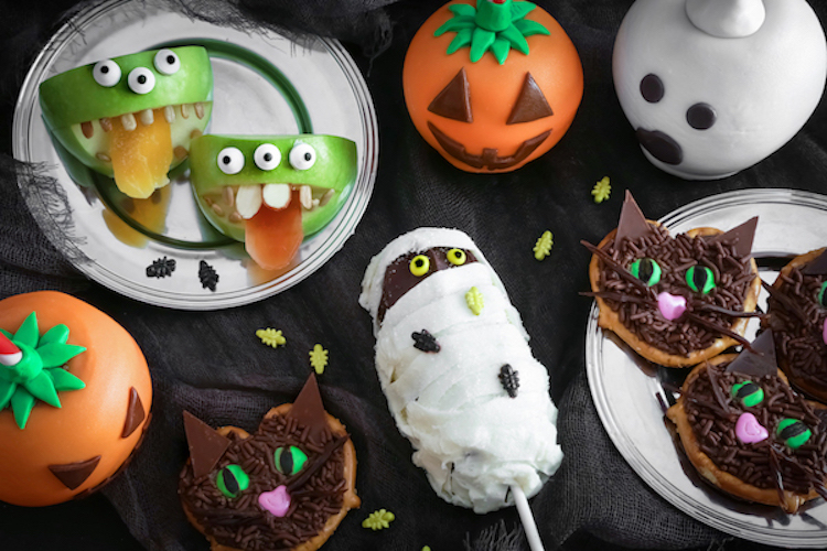 Alt: Halloween baked treats