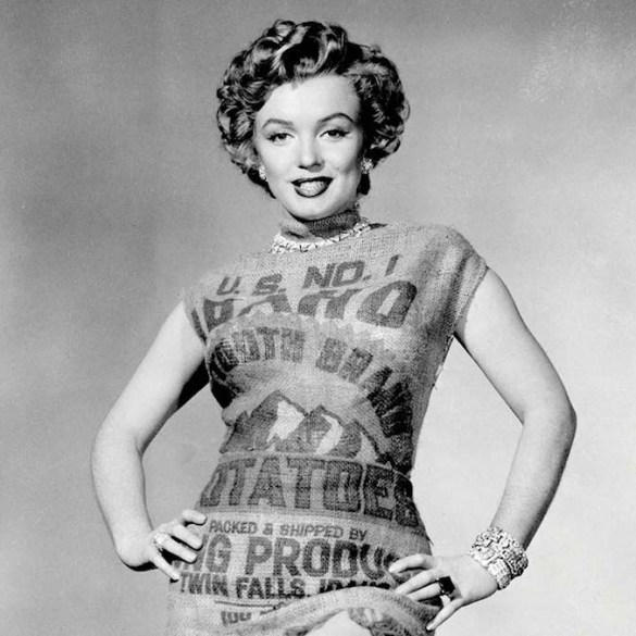 Marilyn Monroe in dress made of a potato sack, 1951.
