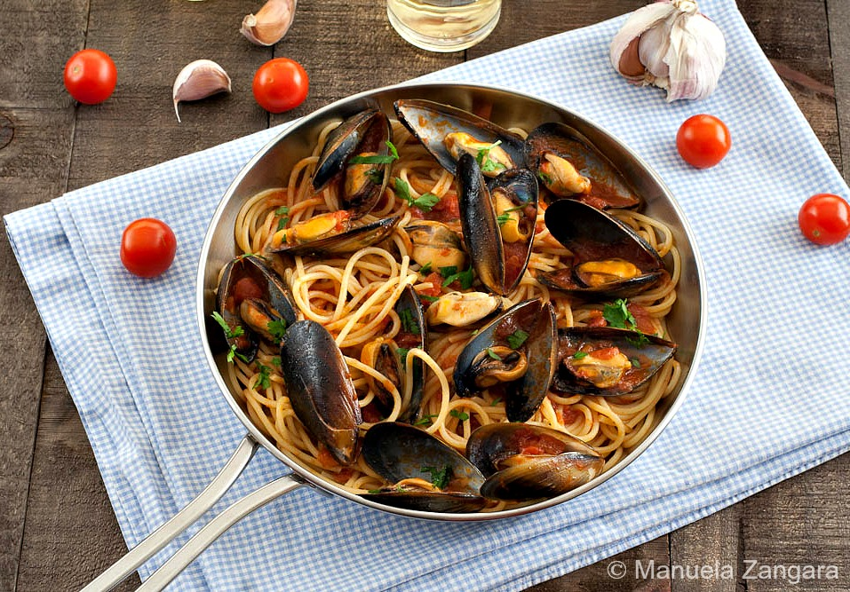 italian meals treats food