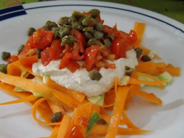 Fettuccine di carote mediterranee