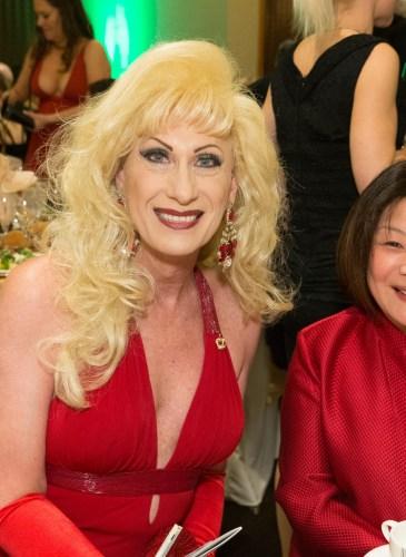 Donna Sachet, Carolyn Lee