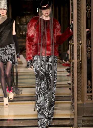 Ashley_Isham_AW15_300dpi_009