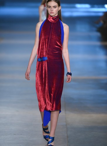 Christopher Kane AW15 Look 39