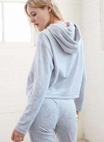 UO X Juicy hoodie.3