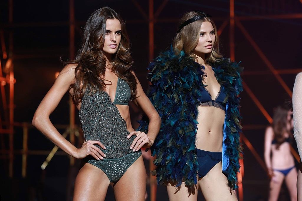 #ETAM Live Show The Sexiest, Most Connected Catwalk Show Of The Year