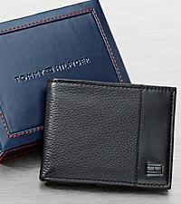 Tommy Hilfiger Men's Black Passcase Wallet