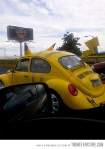 funny-Beetle-car-Pikachu-Pokemon