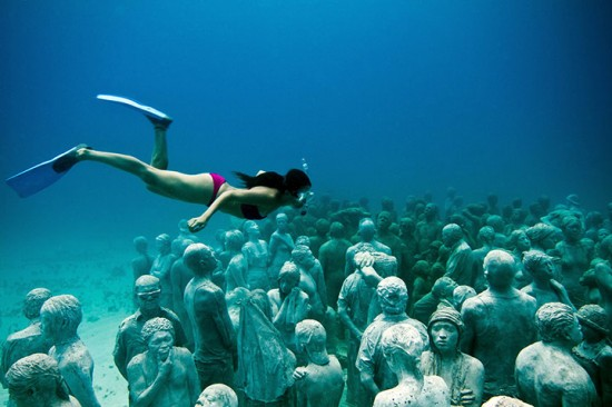 underwater-sculptures-can-001