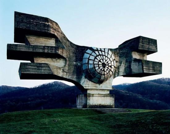 spomeniks9