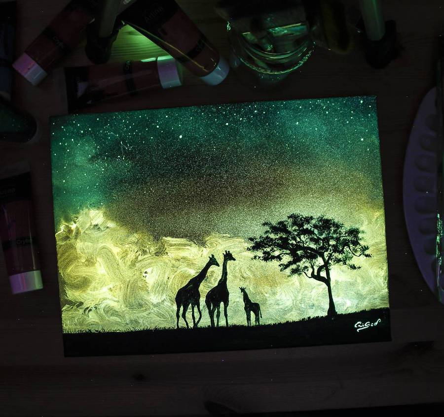 inspiration-scristoforo-scorpiniti-glow-in-the-dark-paintings