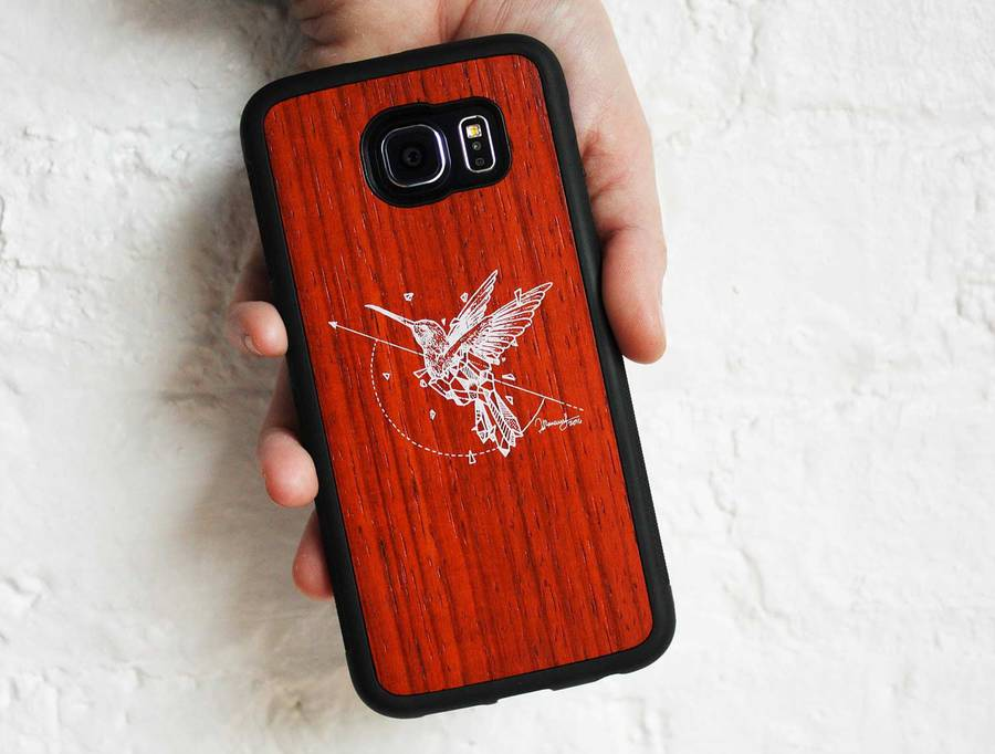 Refined Carved Wood Cases for Phones – Fubiz Media