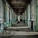 Striking Pictures of Abandoned Asylums in the US-1
