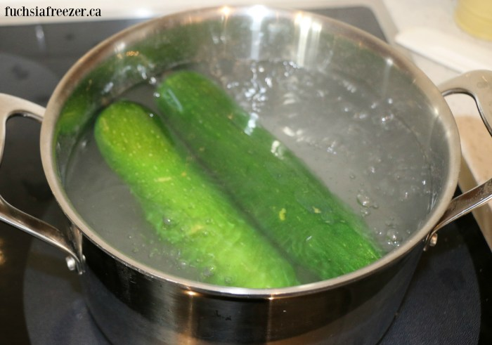 Zucchinis Boiling
