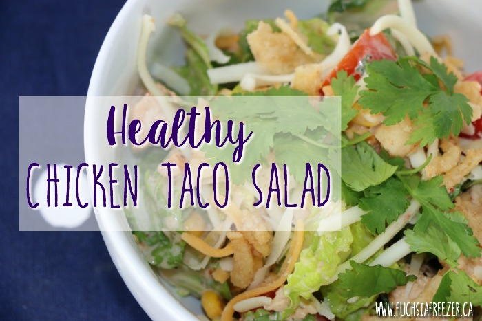 Healthy Chicken Taco Salad! At only 6 Smartpoints this amazing lunch or dinner will help keep you full, fuel you for the rest of your day, and give into those Mexican cravings!