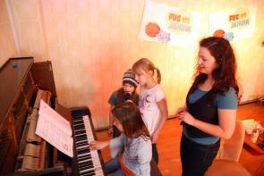 Soundcheck unserer Spezial-Gäste mit Support von Janina.