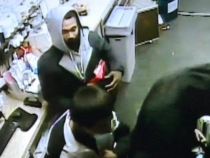 ID #20-176 Alleged Looter