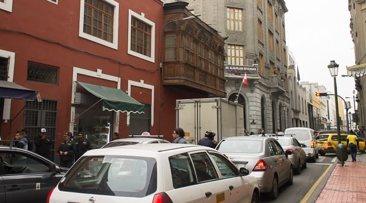 Trânsito e deslocamentos em Lima, Peru