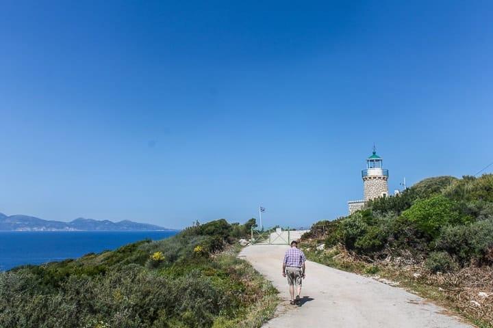 antigo farol e os moinhos de vento de Skinari - guia de praias de Zakynthos